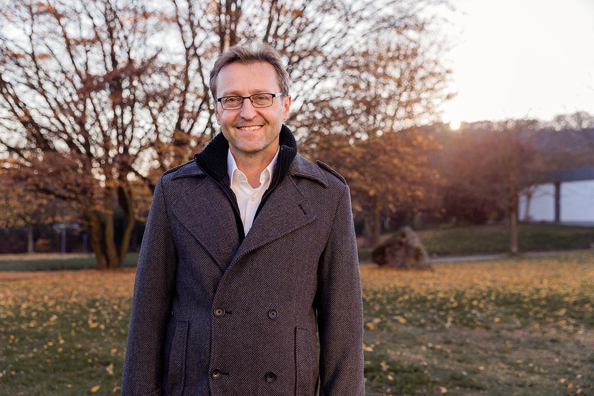 "Dr. Steffen Staab war maßgeblich an der Entwicklung des internationalen Studiengangs ""Web Science"" beteiligt. Foto: Teresa Schardt"