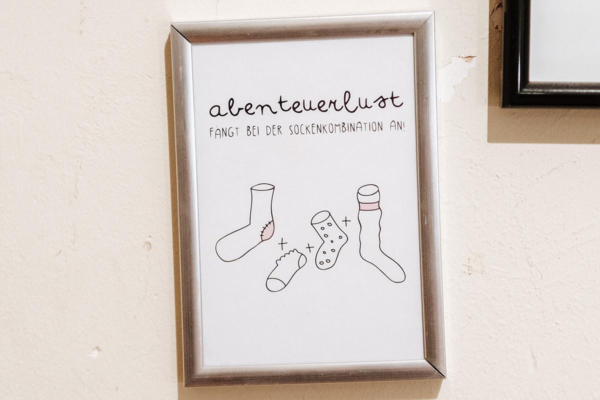 Socken spielen im Leben des Doktoranden eine große Rolle - auch bei seiner Inneneinrichtung. Foto: Philipp Sittinger