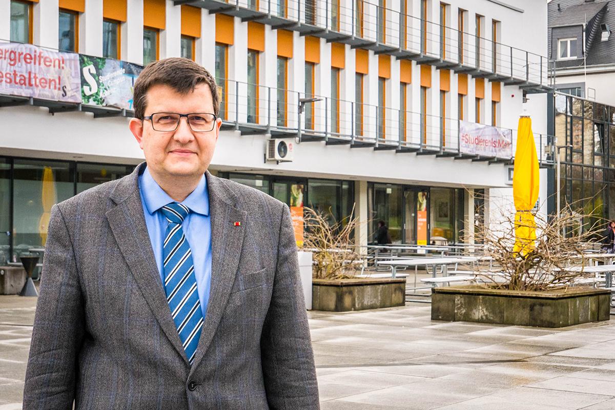 Professor Dr. Stefan Wehner ist neuer Vizepräsident der Universität Koblenz-Landau. In dieser Funktion begleitet er die Uni bei der Neustrukturierung. Foto: Jan Reutelsterz
