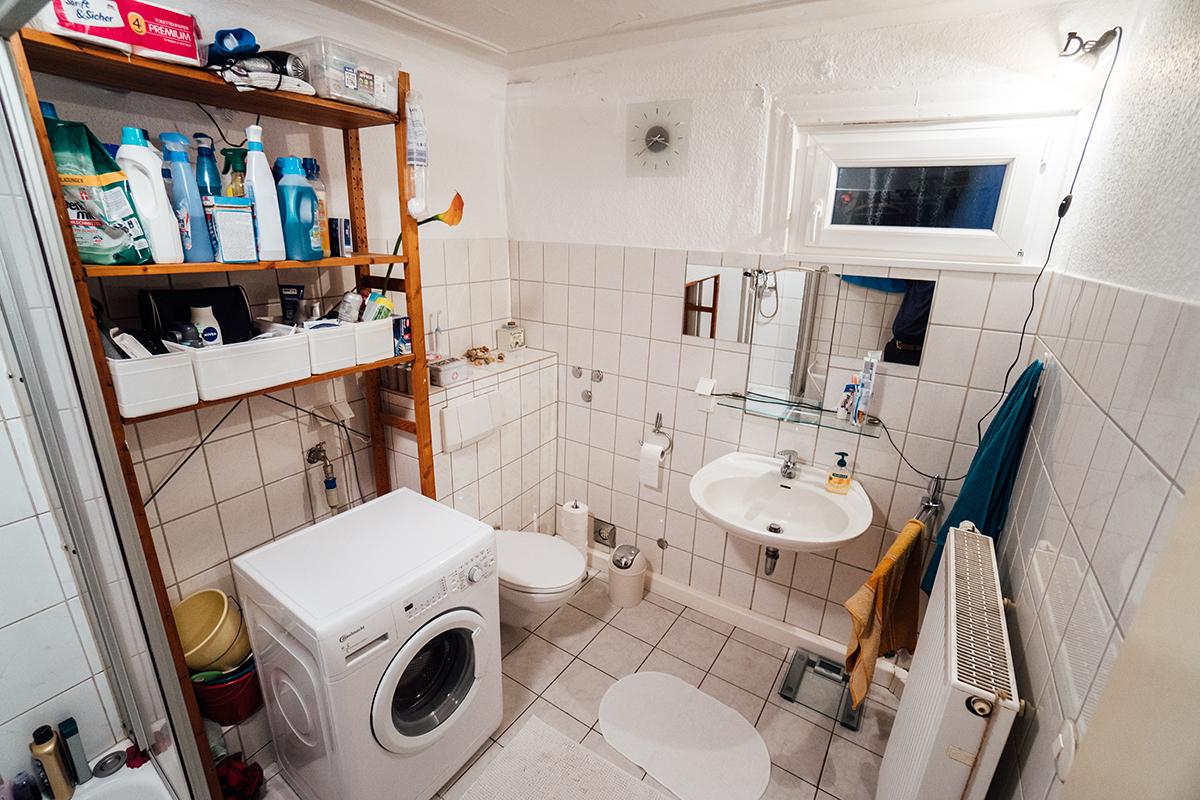 ... wie die abblätternde Farbe im Badezimmer.
