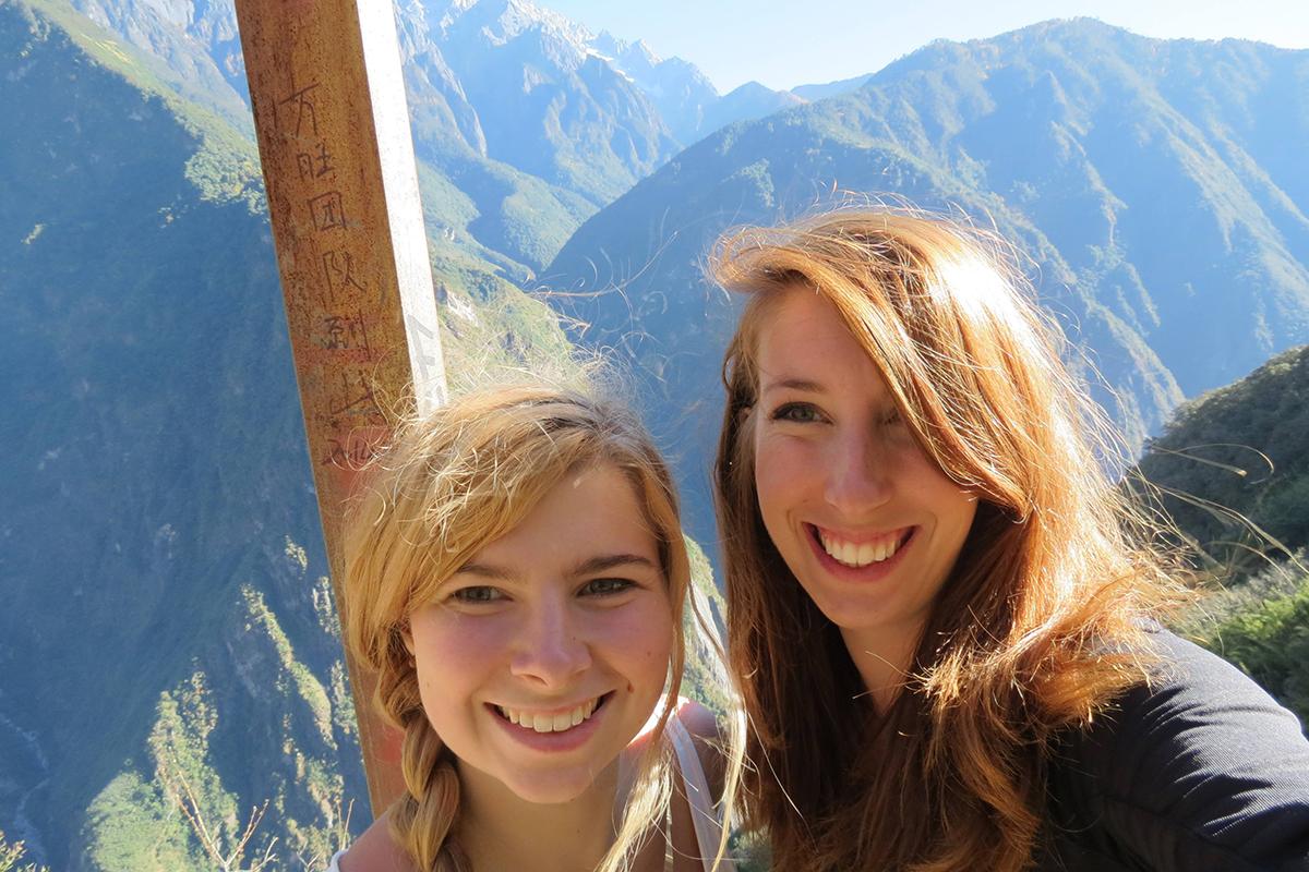 Wandern in Lijan: Anne Krächan und Juliana Steca erkundeten China in jeder freien Minute.