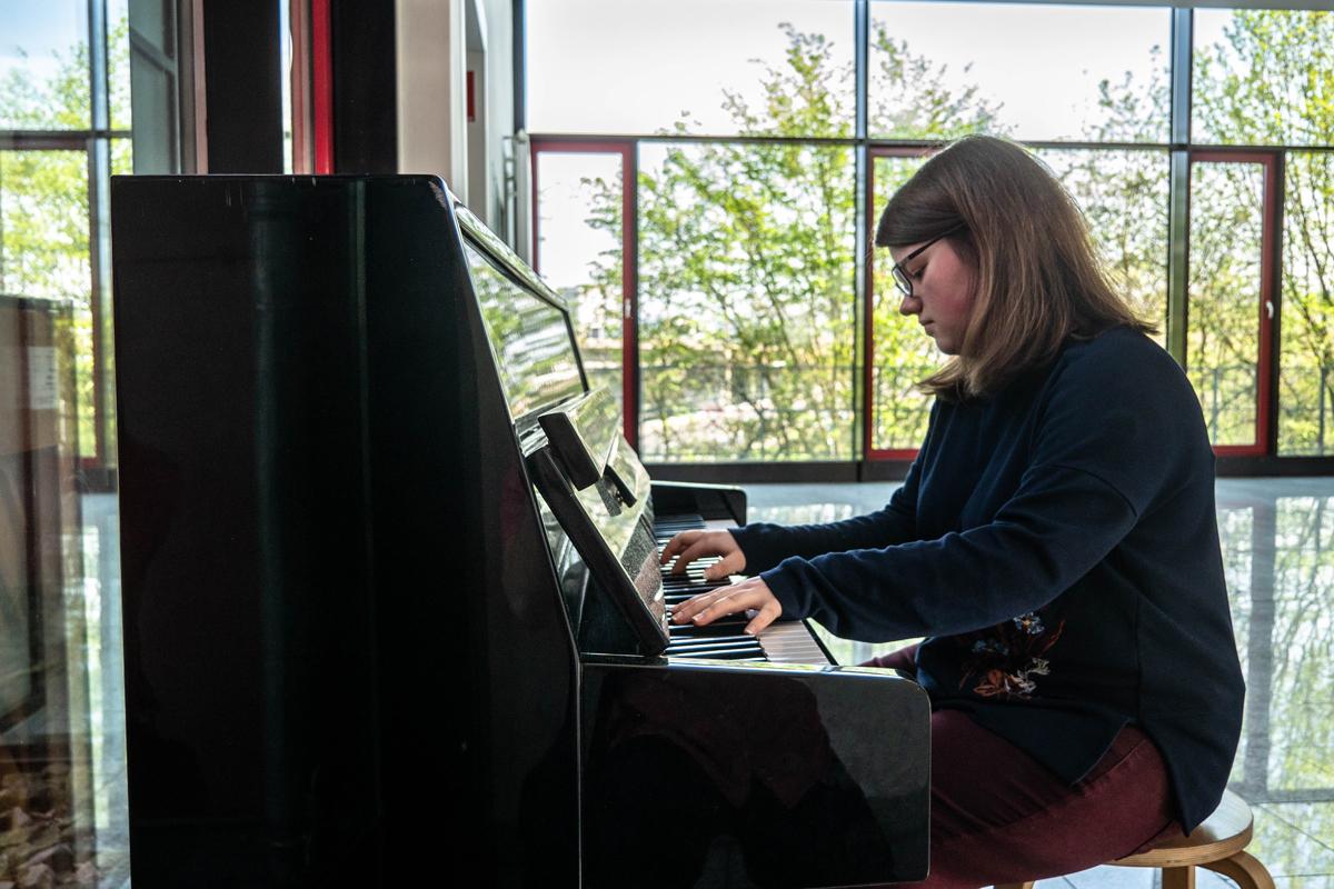 Nicht nur ihre Familie sondern auch Johanna Kempf ist sehr musikalisch. Foto: Jan Reutelsterz