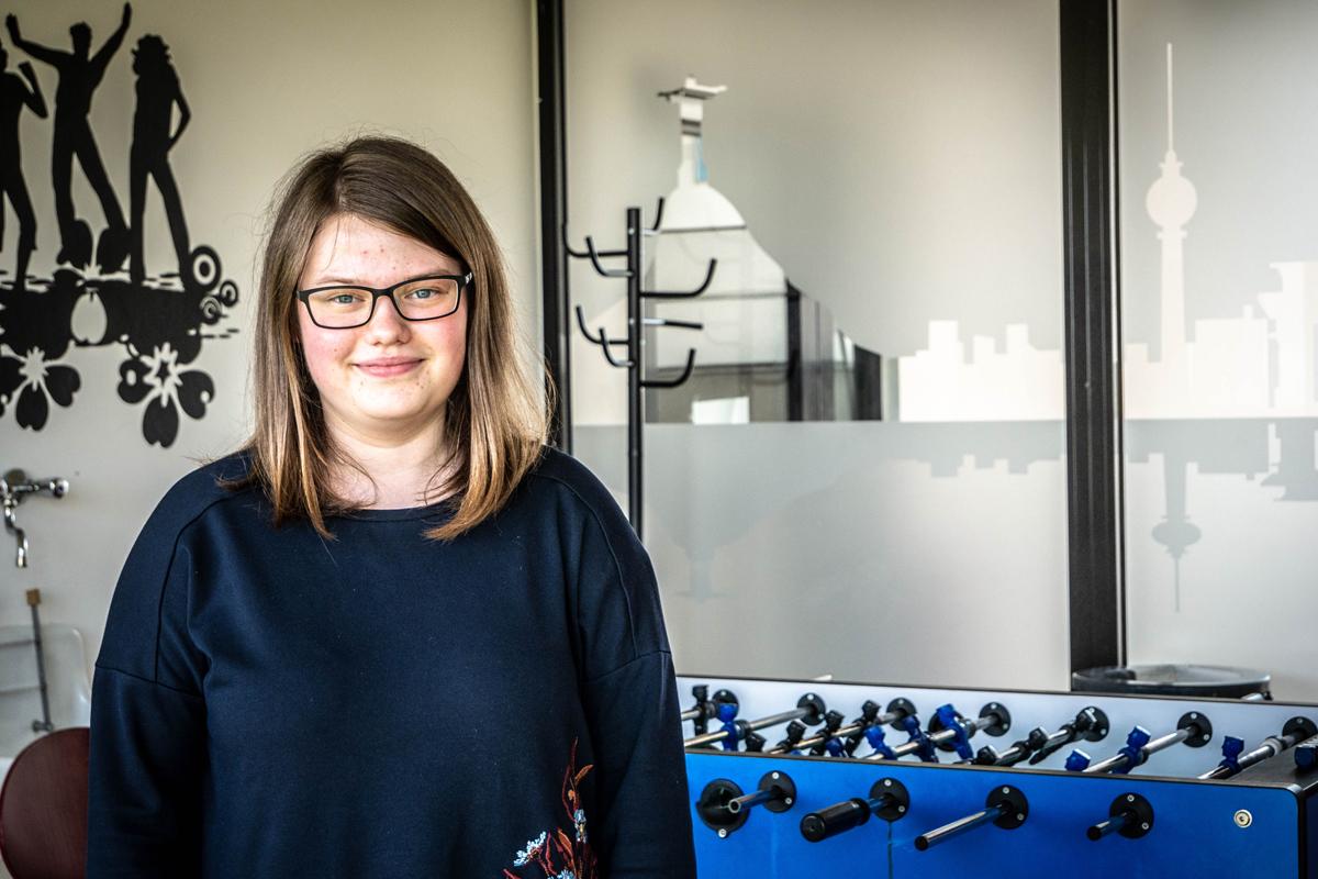 Johanna Kempf wohnt seit einem Semester in Koblenz. Sie gibt uns einen Einblick in das aufregende Leben im Metternicher Studentenwohnheim. Fotos: Jan Reutelsterz