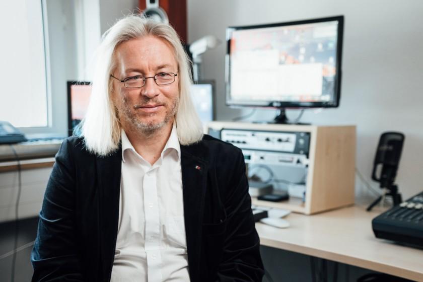 Olaf Meyer ist der Mann für die Musik am Campus Landau. Der Universitätsmusikdirektor leitet den Chor, das Orchester und das Vokalensemble. Foto: Philipp Sittinger