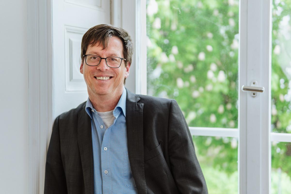 Marold Wosnitza begann seine akademische Laufbahn als Student am Campus Landau. Jetzt ist er Bürgermeister in seiner Heimatstadt Zweibrücken. Foto: Philipp Sittinger