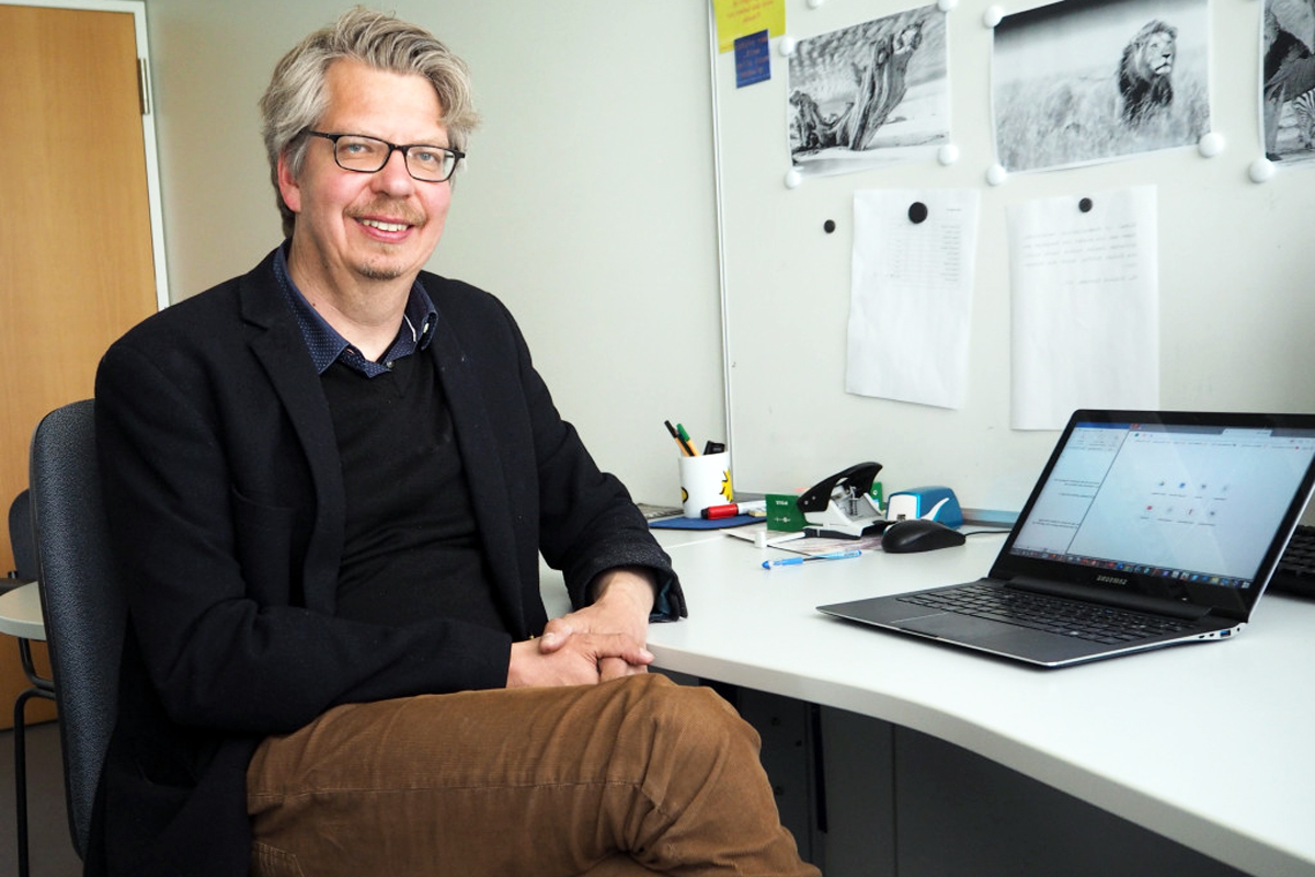 Social Media-Experte Dr. Stefan Maier erklärt, wie Influencer in sozialen Netzwerken zu Bekanntheit und Erfolg gelangen. Foto: Emily Nolden