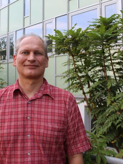 Michael Klemm ist Professor für Medienwissenschaft am Campus Koblenz. Er ist der Leiter des Projekts KuLaDig-RLP. Foto: Nadja Riegger